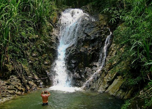 El Nido waterfall